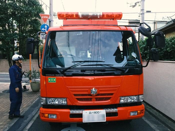消防車に乗る子供(東京都世田谷区)