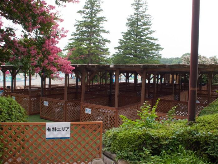 有料の休憩エリア(昭和記念公園レインボープール)