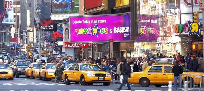 トイザらス破産の危機、発祥の地アメリカで。