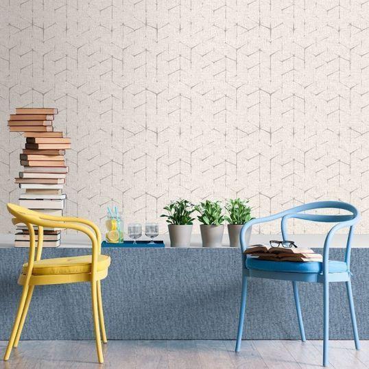 Papel pintado para paredes colocado en habitación