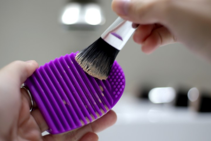 how-to-clean-makeup-brushes-4-paper-and-landscapes