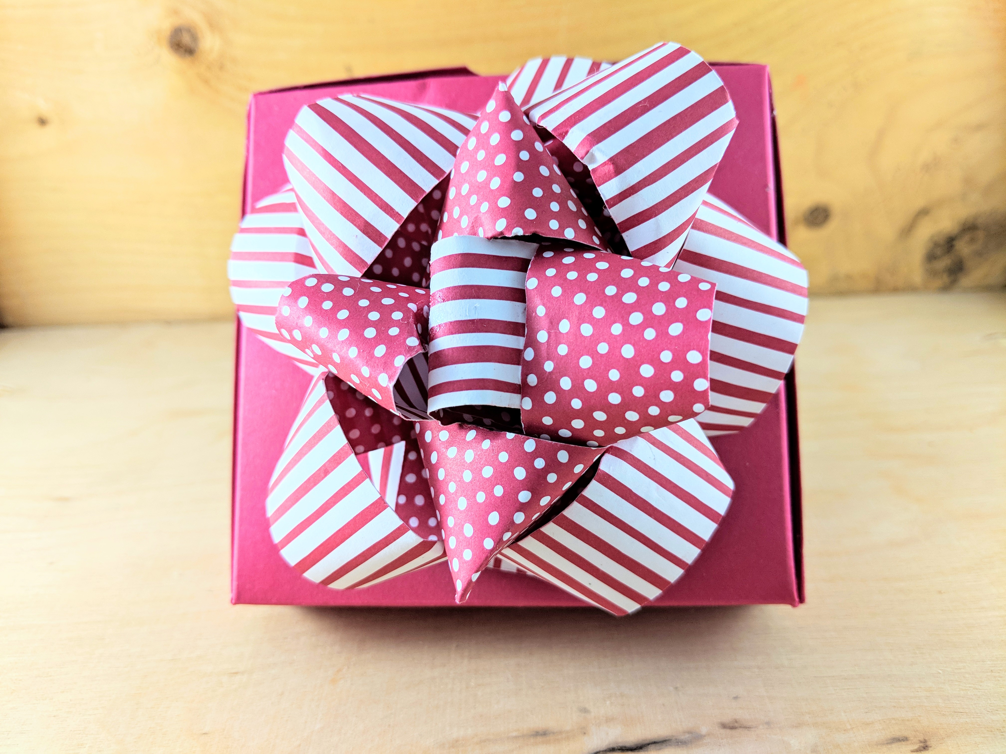 Diy Gift Bow With Designer Paper Laura S Paper Craft Ideas