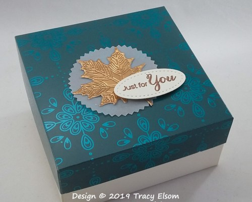 BB49 Maple Leaf Box