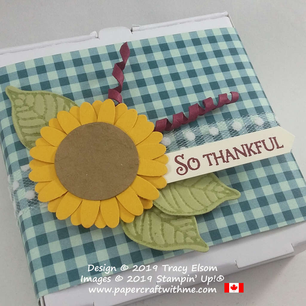 """Feels like autumn with this mini pizza box decorated with a layered and textured sunflower embellishment. The """"So thankful"""" sentiment is from the Beauty & Joy Stamp Set. All products from Stampin' Up! #papercraftwithme"""