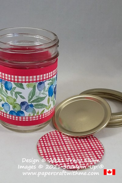 Simple jam jar wrap and top created using the free Berry Delightful paper from Stampin' Up! #papercraftwithme