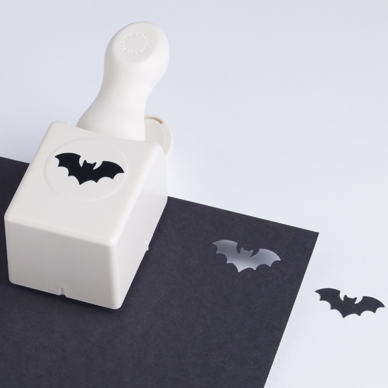 https://i2.wp.com/papercrave.com/wp-content/uploads/2010/08/martha-stewart-bat-paper-punch.jpg