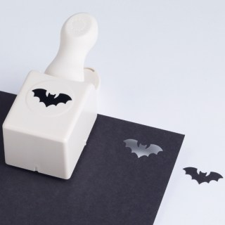 https://i2.wp.com/papercrave.com/wp-content/uploads/2010/08/martha-stewart-bat-paper-punch.jpg?resize=320%2C320