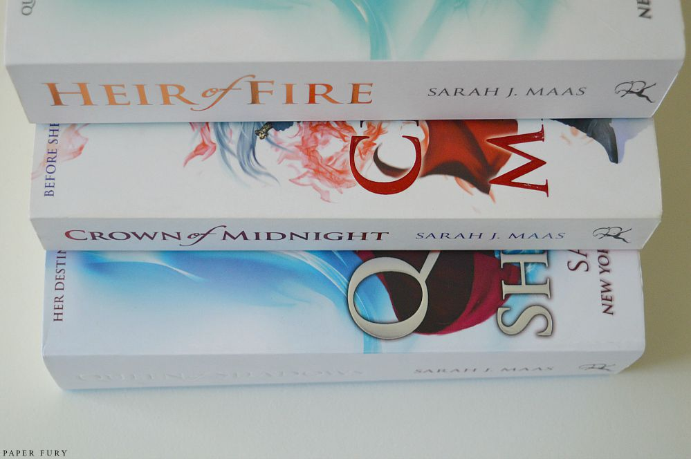 throne of glass series (2)