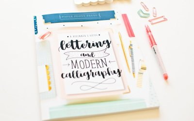 Aprende lettering con esta ingeniosa guía de Caligrafía Moderna