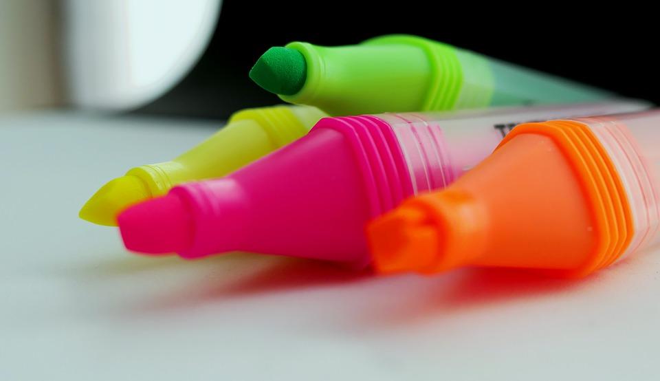 Cómo usar subrayadores de colores para marcar textos y estudiar mejor