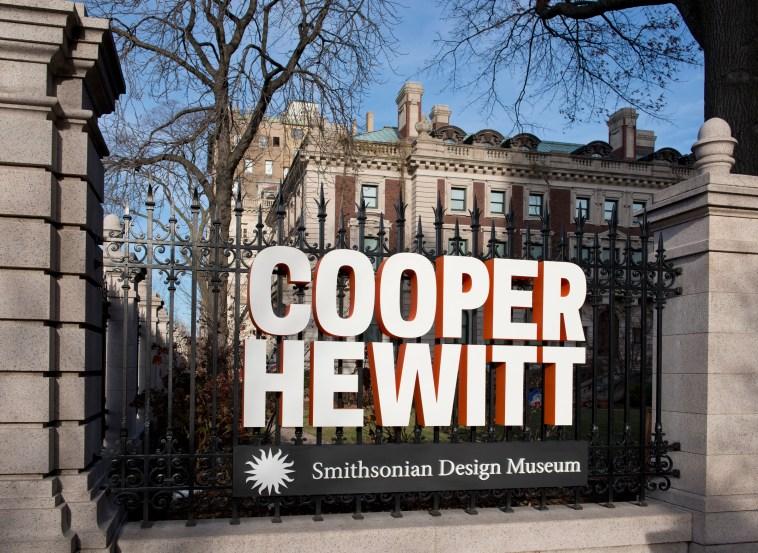 Cooper Hewitt, Smithsonian Design Museum, southwest signage. Photo by Matt Flynn © 2014 Cooper Hewitt, Smithsonian Design Museum