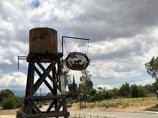 Agua Dulce California road