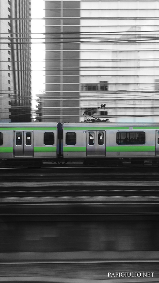 Free Japanese iPhone wallpaper download Tokyo train