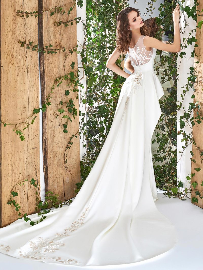1813L-wedding-dress-back
