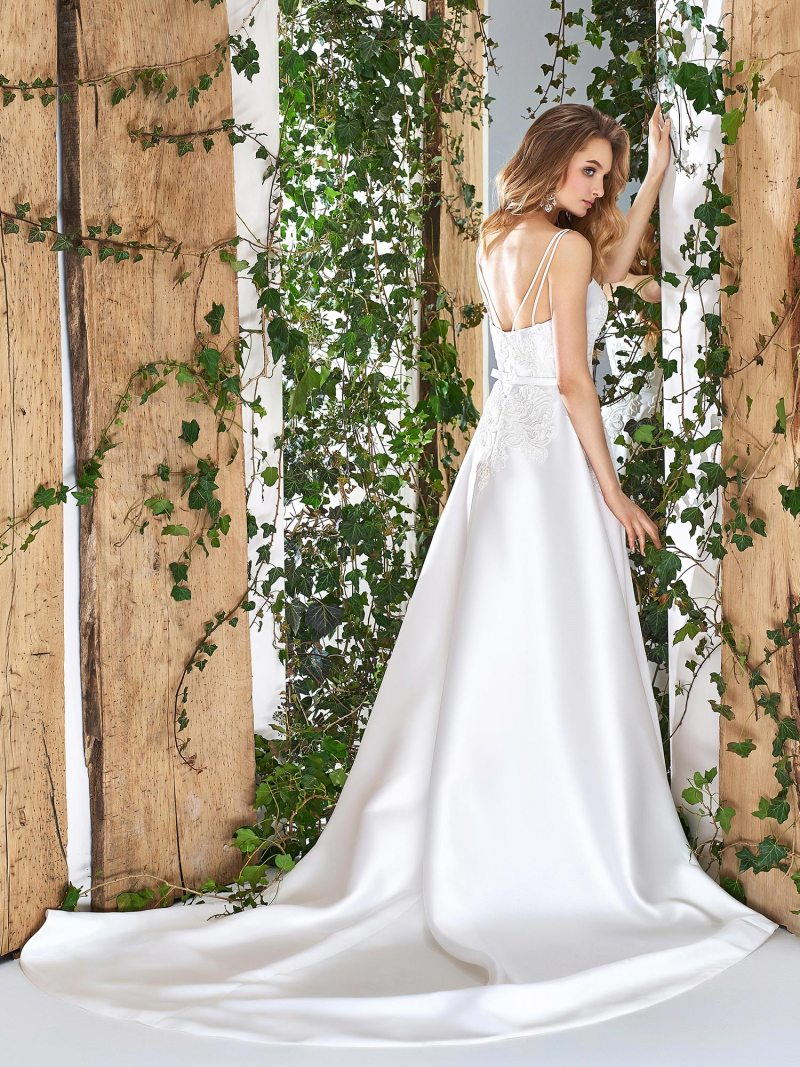 1819L-wedding-dress-back