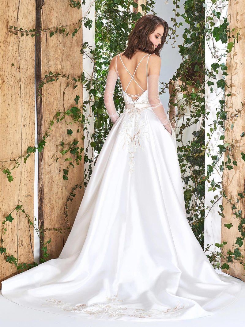 1821L-wedding-dress-back