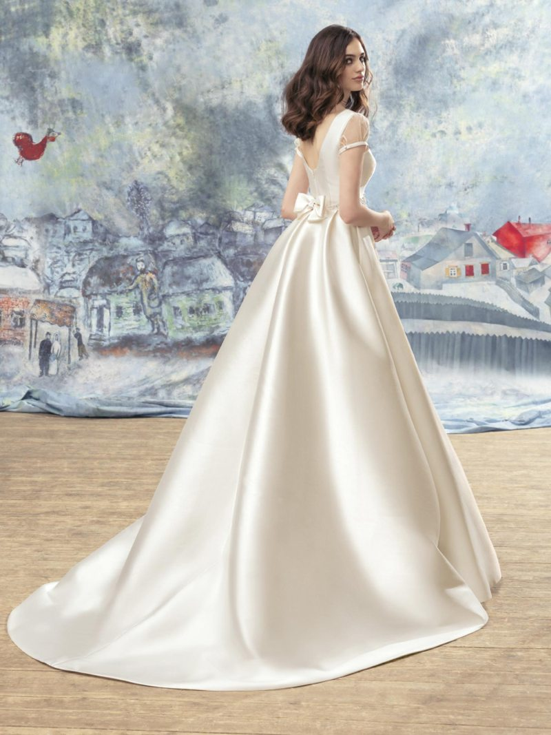 1718-Wedding-dress-back