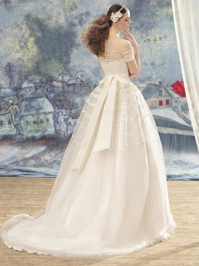 1722L-Wedding-dress-back