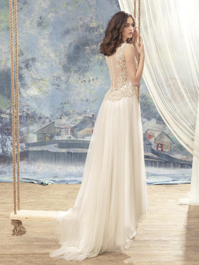 1738-Wedding-dress-back