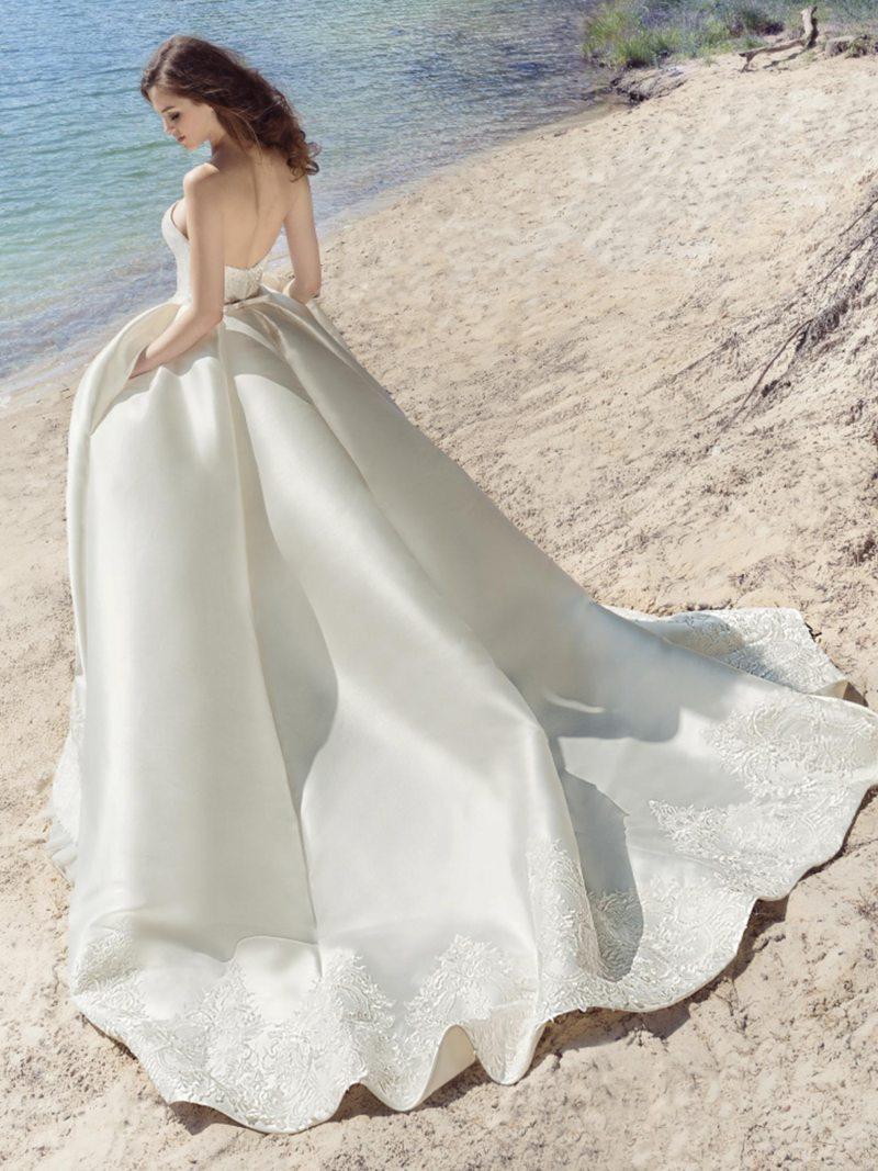 1747L-Wedding-dress-back