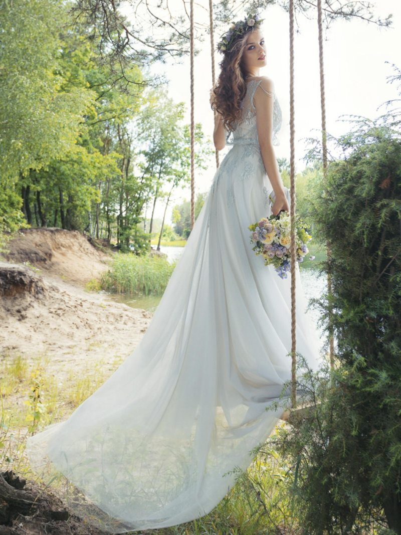 1750L-Wedding-dress-back