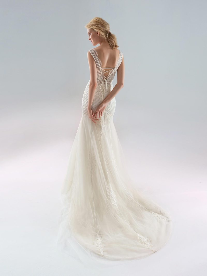 1903-wedding-dress-back