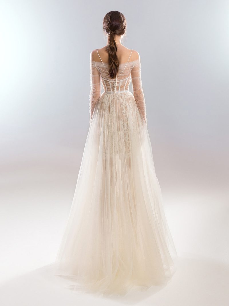 401-wedding-dress-back