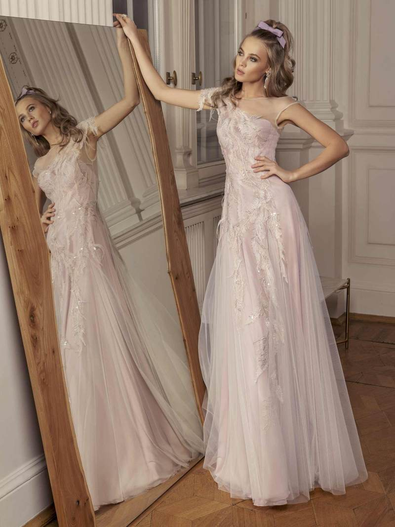 Maxi dress with asymmetrical embroidery and deep V back