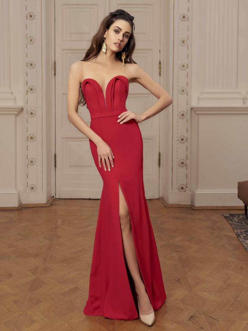 Maxi dress with plunging neckline and slit up leg