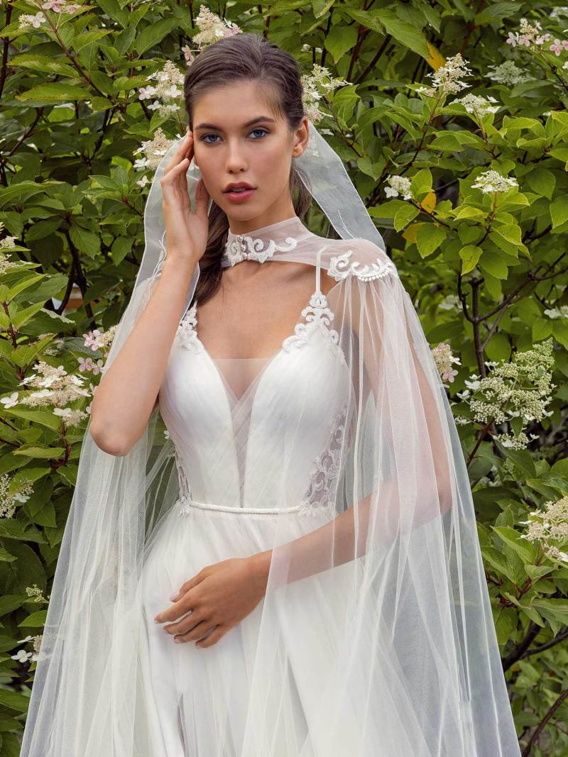 13002-4-unique-wedding-dress-in-Toronto