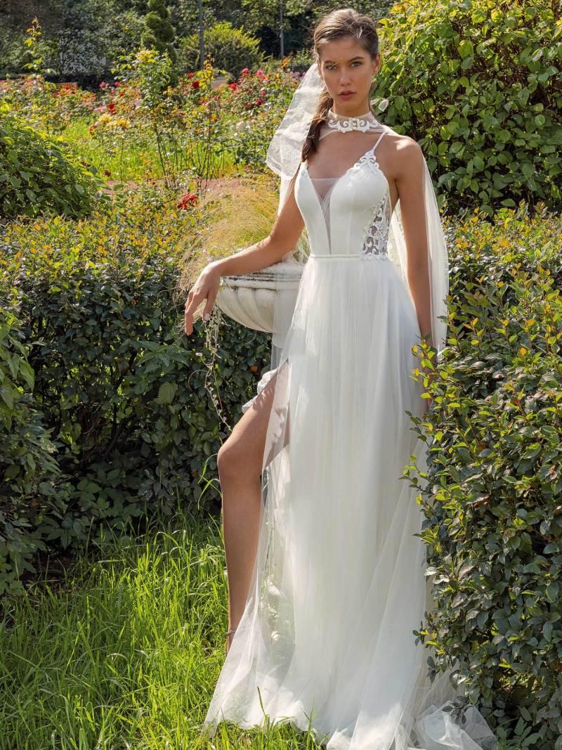 13002-unique-wedding-dress-in-Toronto