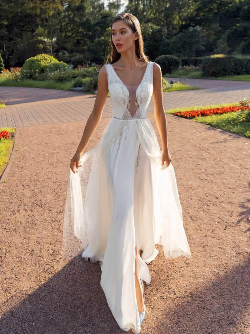 13007-1-unique-wedding-dress-in-Toronto