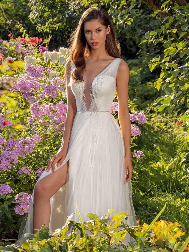 13007-4-unique-wedding-dress-in-Toronto