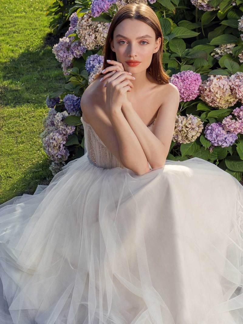 13010-4-unique-wedding-dress-in-Toronto