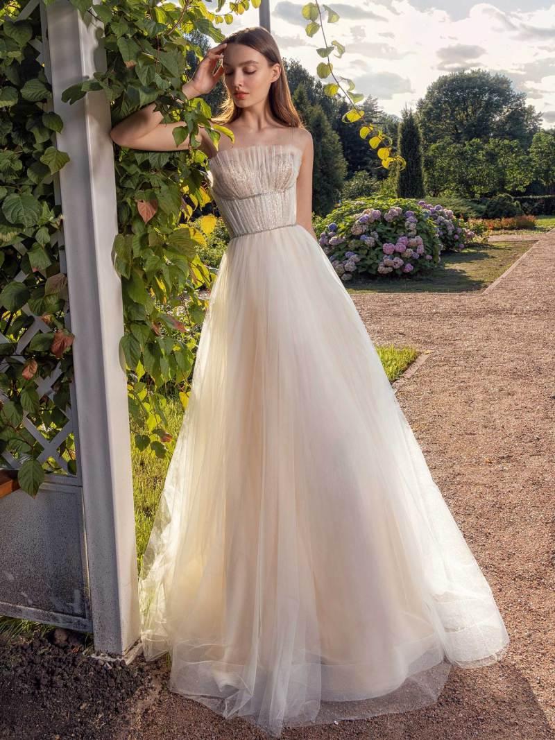 13010-5-unique-wedding-dress-in-Toronto