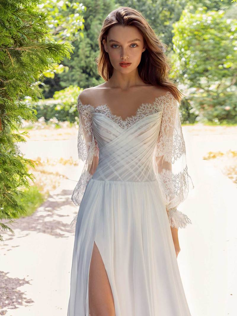 13011-3-unique-wedding-dress-in-Toronto