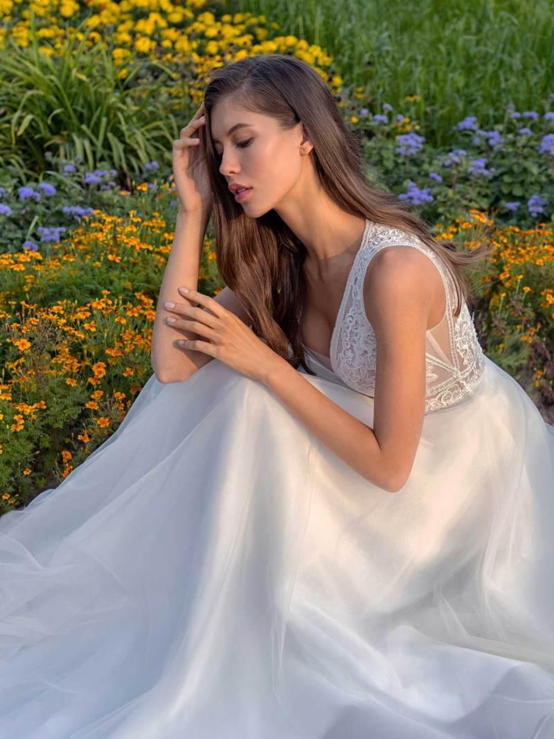 13013b-3-unique-wedding-dress-in-Toronto