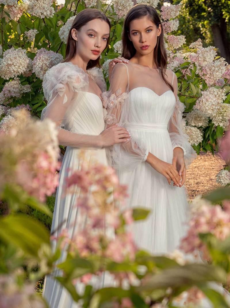13014-13019-2-unique-wedding-dress-in-Toronto