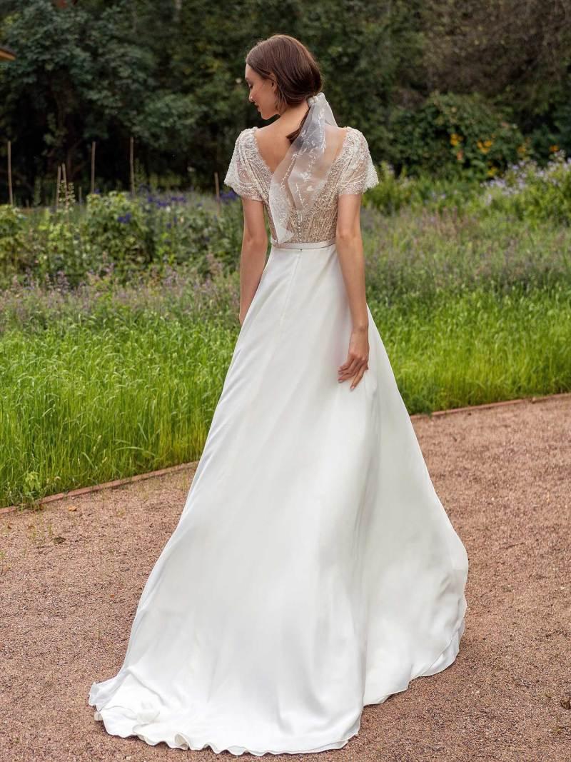 13015-2-unique-wedding-dress-in-Toronto