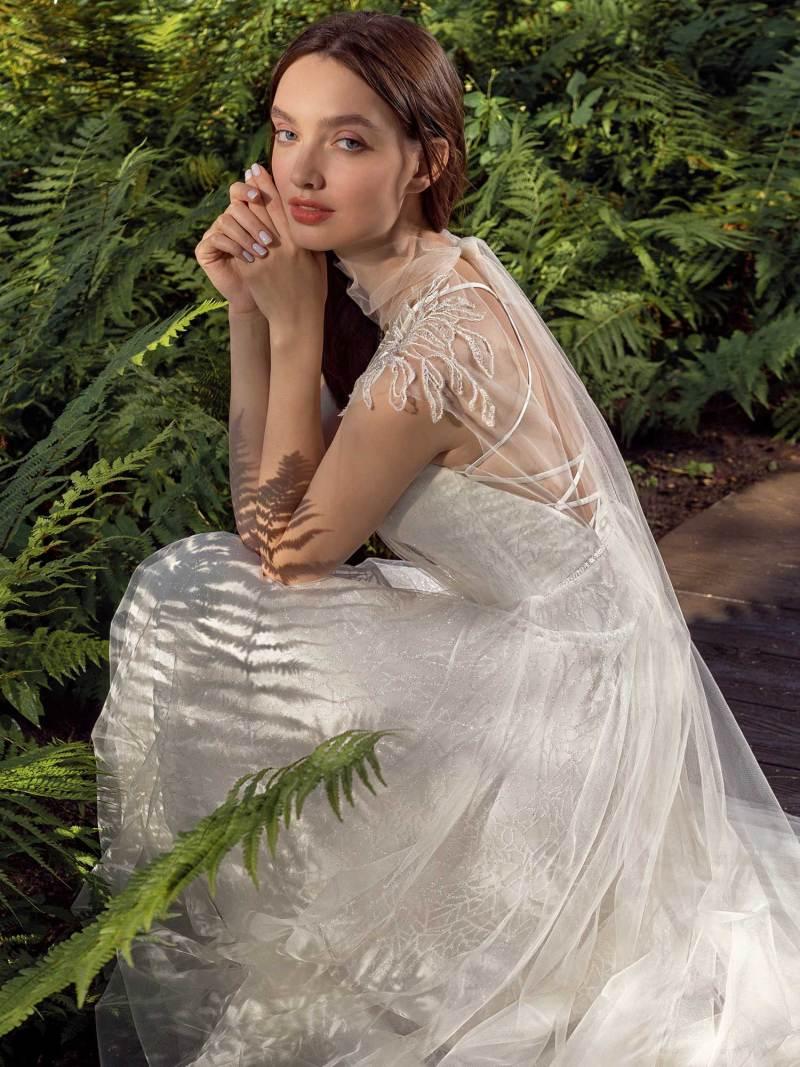 13016-1-unique-wedding-dress-in-Toronto