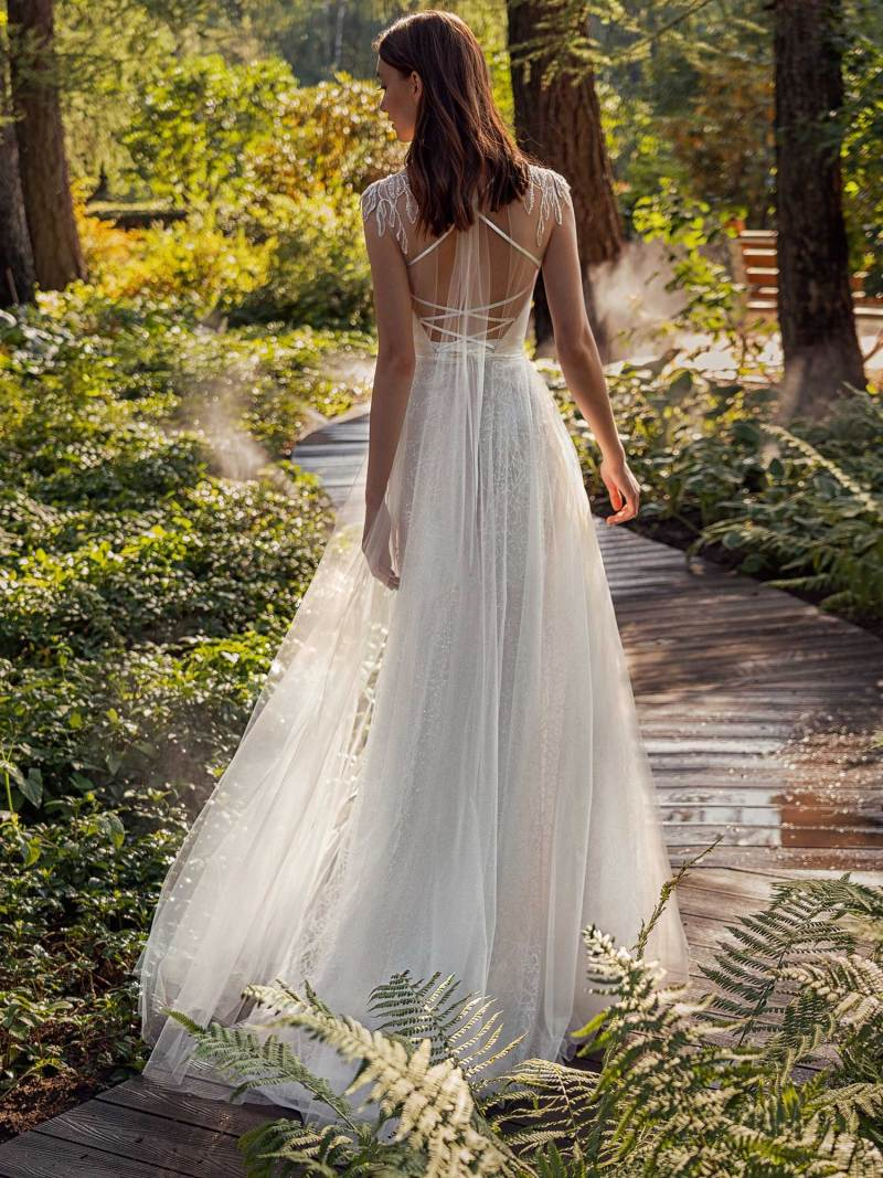 13016-2-unique-wedding-dress-in-Toronto