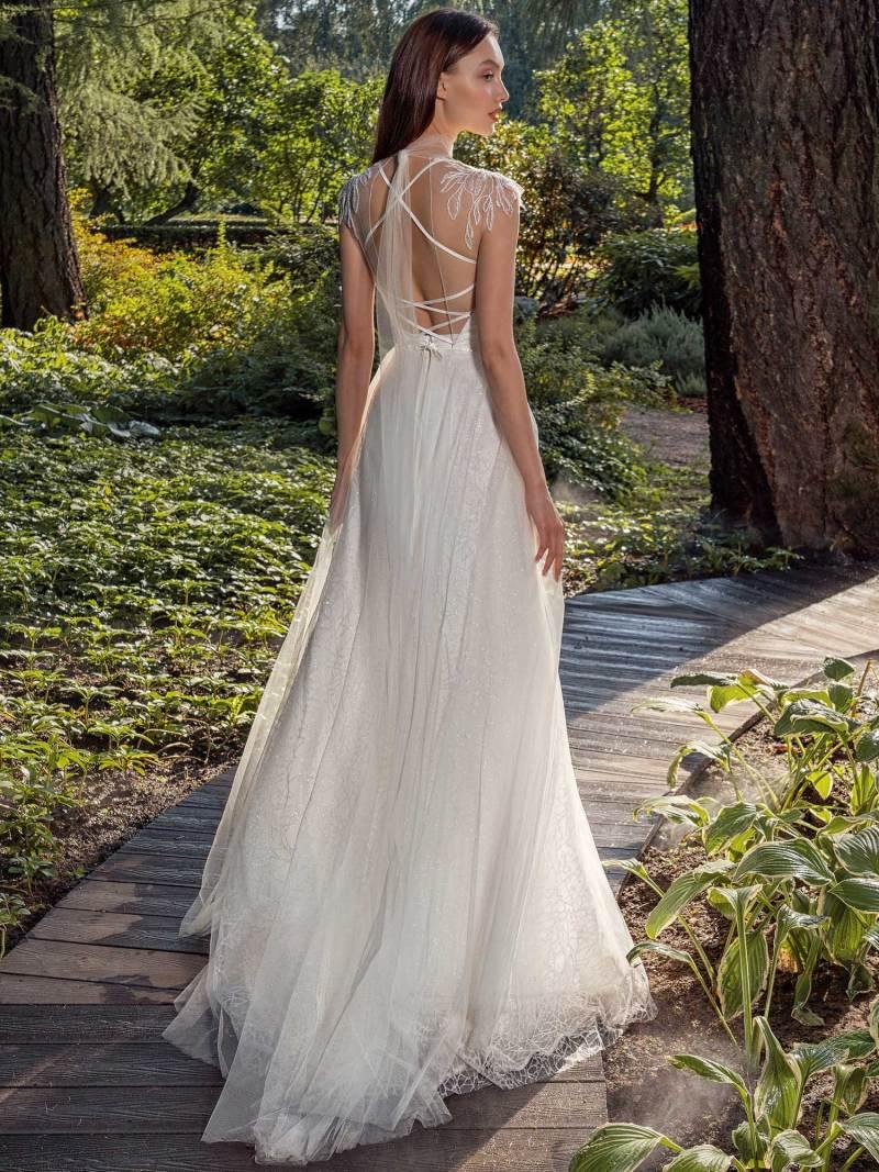 13016-3-unique-wedding-dress-in-Toronto