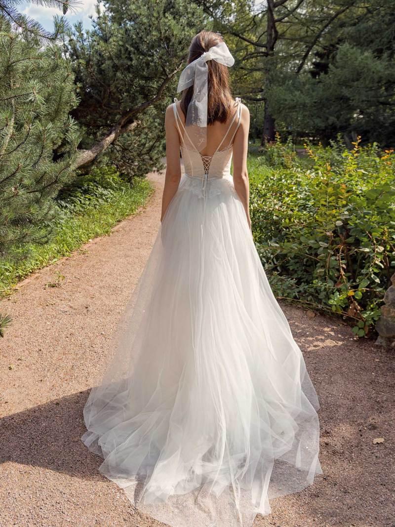 13017-3-unique-wedding-dress-in-Toronto