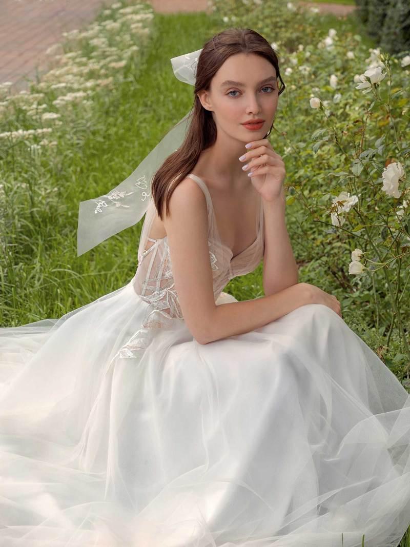 13018-1-unique-wedding-dress-in-Toronto