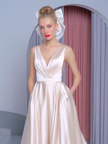 Atlas A-line wedding dress with pockets