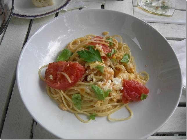 トマトの冷生パスタ