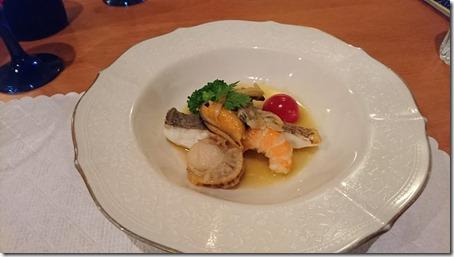 北軽井沢のペットと泊まれる宿花闊歩の夕食魚介のサラダ仕立て
