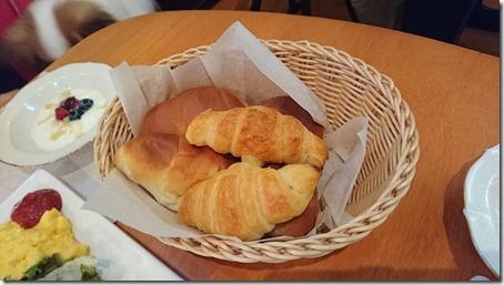 北軽井沢のペットと泊まれる宿花闊歩の朝食のパン