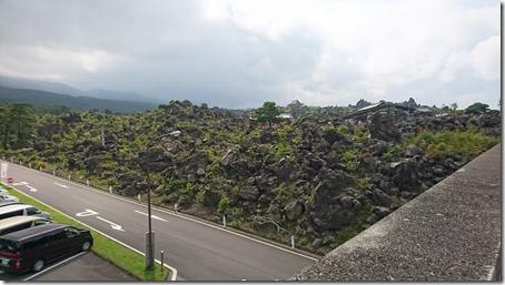 北軽井沢でペットと観光できる鬼押出し園入り口前からの景色