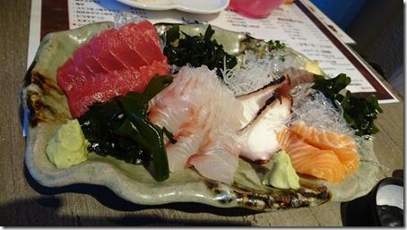 神奈川のドッグカフェソッリーゾの姉妹店居酒屋神結のお刺身盛り合わせ